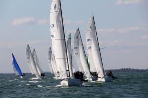Malte Kamrath aus Berlin siegte mit der Segelnummer 565, die 470 wurde Zweiter, Dritter die 430. Foto Heine